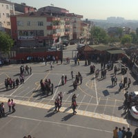 Photo taken at Bağcılar Malazgirt Orta Okulu by Nermin A. on 4/28/2016