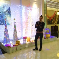 Photo taken at 东城国际酒店 Dongcheng International Hotel by Kostya C. on 12/9/2013