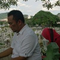Photo taken at Tanah Perkuburan Islam Jalan Cheras by rusyda d. on 8/2/2014
