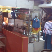 Photo taken at Gunung Ledang Malay Food by Trans F. on 5/4/2013