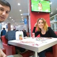 Photo taken at Pasaport Pizza by Gökçe K. on 3/21/2015