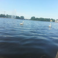 Photo taken at Alster-Rundfahrten by Victoria N. on 6/9/2014