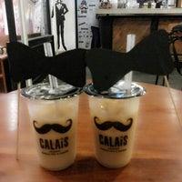 Photo taken at CALAIS Artisan Bubble Tea & Coffee by Sarah F. on 12/18/2013