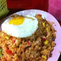 Photo taken at Thohirah Cafeela Restaurant by Johnny @. on 1/18/2013