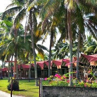 Photo taken at Mimpian Jadi Resort by Meheheheow on 3/29/2013