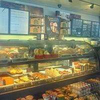 Photo taken at Starbucks by Dalcione R. on 6/23/2013