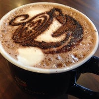 Photo taken at Gloria Jean's Coffees by Haya B. on 3/20/2014