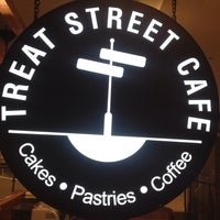 Das Foto wurde bei Treat Street Cafe von Merly M. am 9/16/2014 aufgenommen