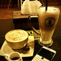 Photo taken at Coffee Toffee Origin by Hera S. on 3/15/2014
