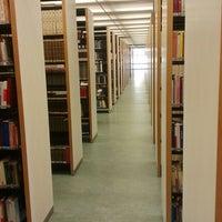 Foto tomada en Edificio de Bibliotecas - UNAV por Rafa P. el 12/10/2013