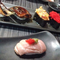 Foto tomada en Shoten Sushi por Jambolan W. el 6/27/2015