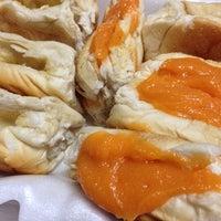 Photo taken at Yaowarat Toasted Bread by Jambolan W. on 11/14/2013