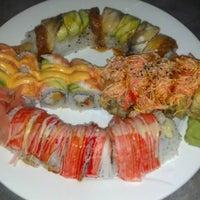 Photo prise au Tasu Asian Bistro Sushi & Bar par Stacey L. le12/11/2012