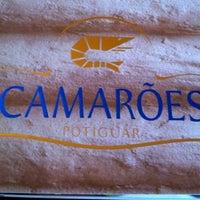 Foto tirada no(a) Camarões Potiguar por GABRIEL L. em 1/21/2013
