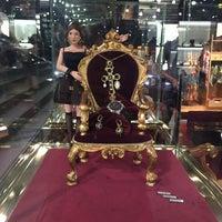 Das Foto wurde bei Dolce&Gabbana von Sévindj M. am 7/2/2015 aufgenommen