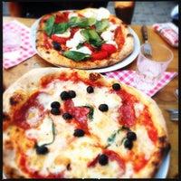 Photo prise au La Bottega della Pizza par Jan V. le6/6/2013