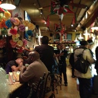 Photo prise au Fiesta Martin Mexican Grill par Miss W. le11/28/2012