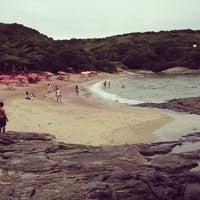 Foto tirada no(a) Praia do Forno por Wagner C. em 3/30/2013