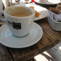 Foto tirada no(a) Allegro Caffé por Mauricio M. em 12/13/2013