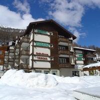 Das Foto wurde bei Hotel Europa - Restaurant Carnotzet - Saas-Fee von Hotel Europa - Restaurant Carnotzet - Saas-Fee am 12/11/2013 aufgenommen