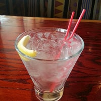Photo taken at Red Robin Gourmet Burgers and Brews by Dylan Y. on 8/22/2013