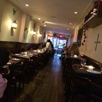 Foto tirada no(a) Two Lizards Mexican Bar & Grill por Jon G. em 6/30/2014