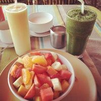 Photo taken at Domnic Juice Bar by Lilian S. on 1/9/2014