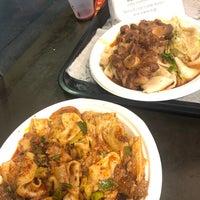 9/20/2018 tarihinde Rosario Joy G.ziyaretçi tarafından Xi'an Famous Foods'de çekilen fotoğraf