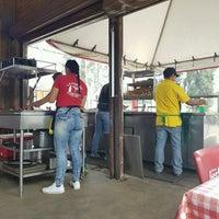 Foto tomada en La Terraza Carnitas por 💞Laury E. el 9/7/2016