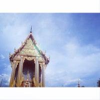 Photo taken at Wat Si Wanophat Sathitporn by Thanannaphaj T. on 11/2/2014
