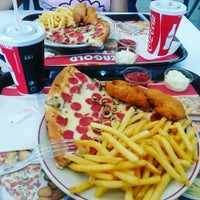 Photo taken at Pizza Gold by ☆★☆IşıL☆★☆ on 10/2/2015