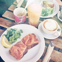 Photo prise au Healthy Stuff par Susy A. le8/22/2015