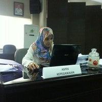 Photo taken at Dinas Perhubungan Komunikasi Informasi dan Telematika by Tini T. on 10/21/2016