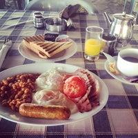 Photo taken at The House On The Beach Restaurant by Татьяна В. on 4/22/2014