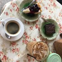 Photo prise au Cookies Cafe par Anna S. le3/13/2018