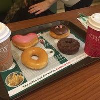 Снимок сделан в Krispy Kreme пользователем Yulia S. 1/29/2016