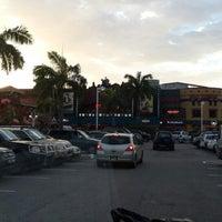 Photo taken at Burger King by Wayne D. on 12/27/2013