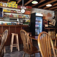 Photo taken at El Guayabo Restaurant by Ariel M. on 9/14/2014