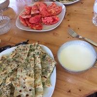 Photo taken at Barış'ın Yeri Taze Süt Mısır by Dilara K. on 7/23/2017