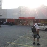 Photo taken at Lojas Americanas by Eder M. on 4/18/2013