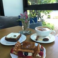 Foto tirada no(a) Talaychan Pâtisserie por TA/RN em 7/7/2017