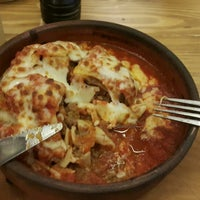Photo taken at Pizza Il Forno by Mahmut K. on 3/10/2015
