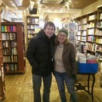 Das Foto wurde bei West End Lane Books von Sean C. am 11/26/2014 aufgenommen