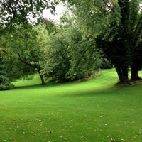Photo taken at Belvoirpark by Pianopia P. on 9/3/2014