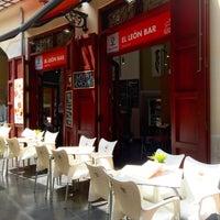 Foto tomada en El León Bar por Pianopia P. el 7/25/2015
