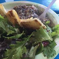 Foto tomada en Pupukea Grill por Ms I. el 10/23/2014