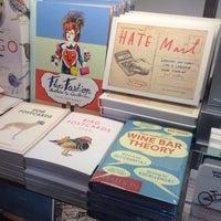 Foto scattata a Magma Books da Julie F. il 12/19/2013