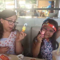 Photo taken at McDonald's by Gustavo M. on 12/29/2016