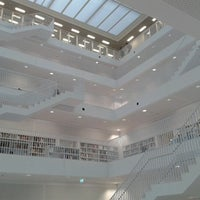Photo taken at U Stadtbibliothek (Handwerkskammer) by OLI M. on 1/12/2013