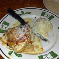Photo taken at Olive Garden by Angela K. on 12/4/2012